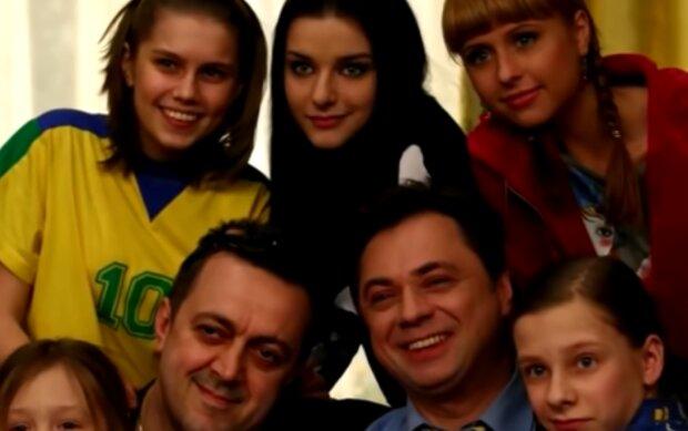 """""""Папины дочки"""", кадр из сериала"""