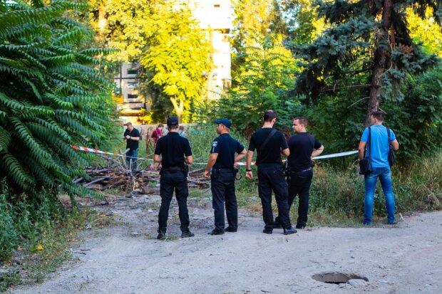 Отрезали голову и замотали в тряпки: искалеченное тело обнаружили в центре Днепра, город в панике