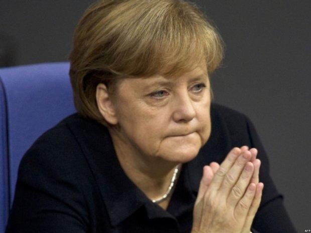 Меркель теряет рейтинг из-за политики в отношении мигрантов