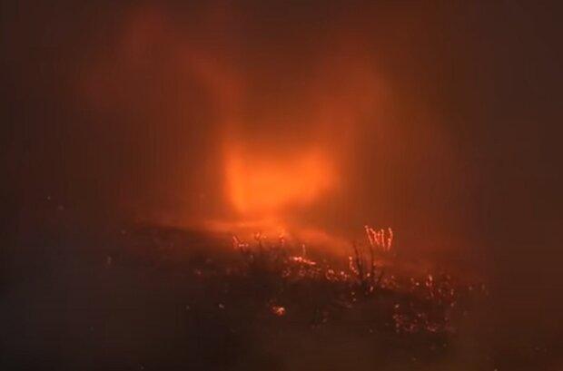Під час масштабної пожежі зафіксували вогняний торнадо: брама в пекло