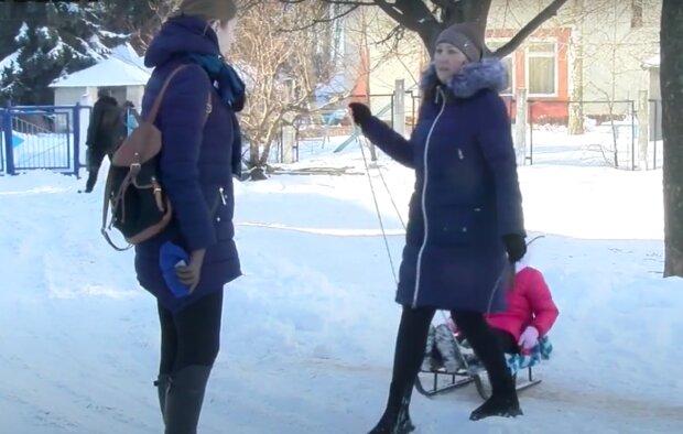Матери-одиночки, кадр из видео