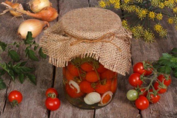 Соленья, варенья, таранька – как лучше заготовить помидоры?