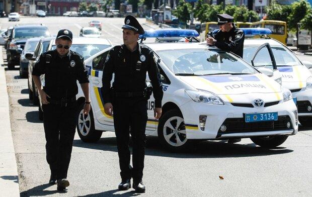 Жестокое ДТП во Львове: грузовик смял легковушку в консервную банку, погиб ребенок