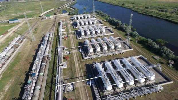 Росія перекрила експорт нафти та бензину до України