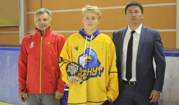 Як український хокеїст врятував життя товаришу (відео)
