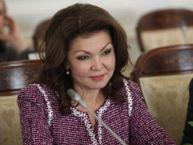 """Дочка Назарбаєва цинічно образила сиріт з інвалідністю: """"Дивіться на цих виродків"""""""