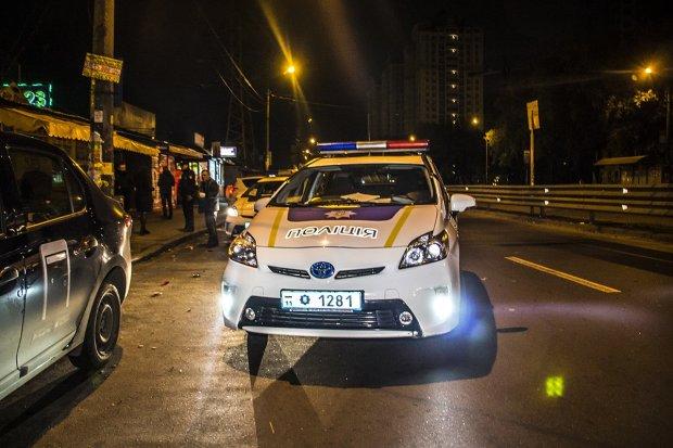 Під Києвом мікроавтобус збив пішохода: водій втік з місця аварії, переслідували очевидці