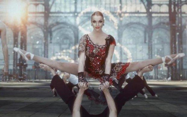 Неудержимое желание Волочковой раскарячивать ноги объяснили на гиббонах