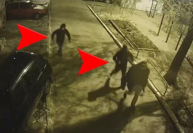нападение на журналиста, скриншот из видео