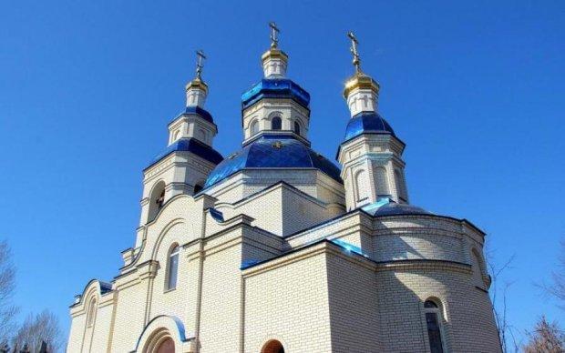 Посягнули на святое: прихожане восстали против московских попов на Донбассе
