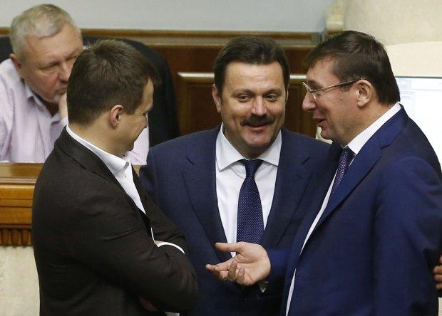 """Межигорье-3: нардеп Деркач переплюнул Януковича, вот как живет """"земельный барон"""""""