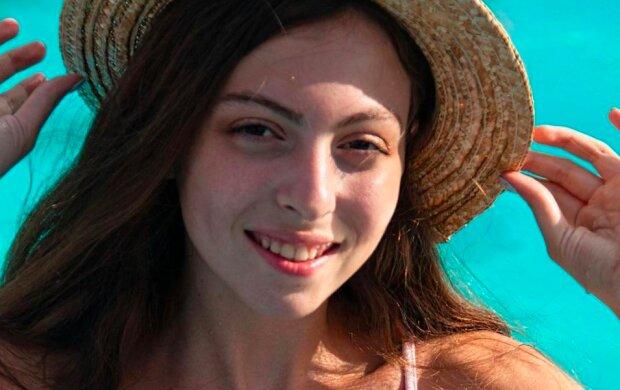 Дочь Поляковой Маша в 14 лет поразила недетскими формами в бикини