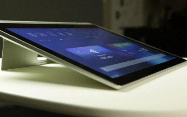 Samsung Project V: в сети показали живые фото смартфона-книжки