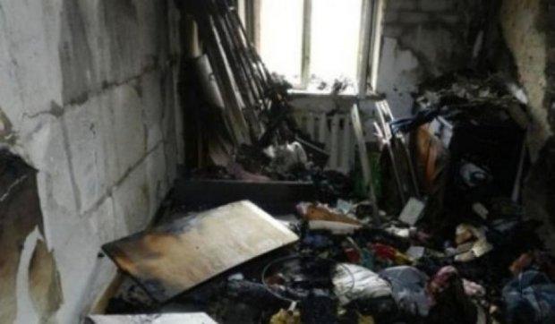 В Херсоне 5-летняя девочка вернулась в горящий дом за котятами