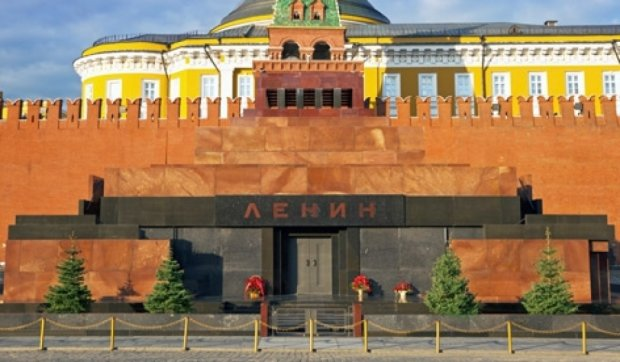 Обнаженный мужчина пытался попасть в мавзолей Ленина