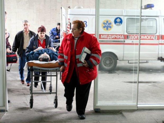 """Швидка не приїде: чому лікарі """"відмовляються"""" від пацієнтів"""