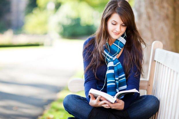 Ученые рассказали о необычной пользе от чтения: вместо спортзала бегите в библиотеку