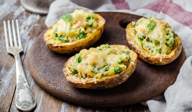 Запечена картопля, фото-Лайфхакер