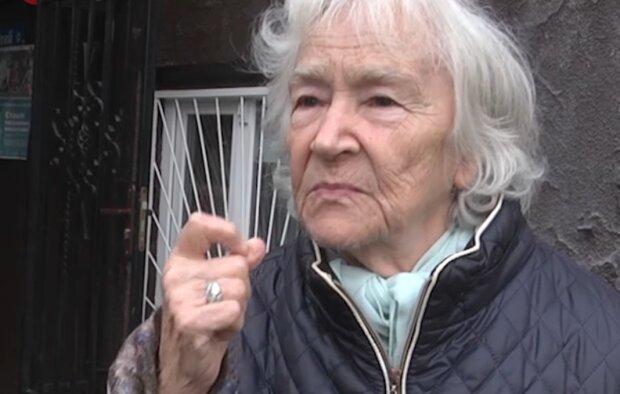 """Тернополянка осталась без крыши над головой из-за мошенников – 50 тысяч отдала на """"спасение"""" сына"""
