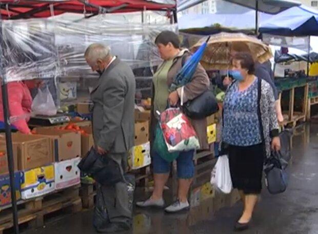 """На тернопольских рынках торгуют """"отравленными"""" овощами, борща не будет"""
