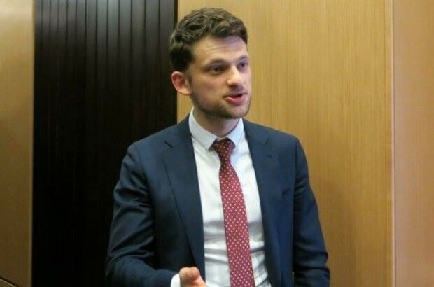 Дубилет никак не успокоится с цифровой переписью и хочет пересчитать крымчан со спутника