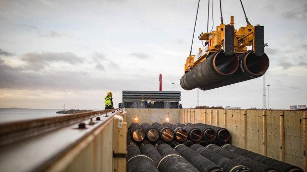 Укладка подводной части газопровода