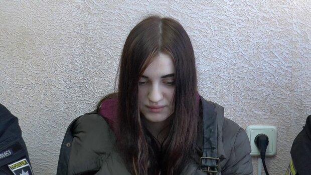 """У Полтаві юна снайперка розстріляла інструктора тиру і """"покаялася"""" на камеру, жорстоке зізнання приголомшило Україну"""