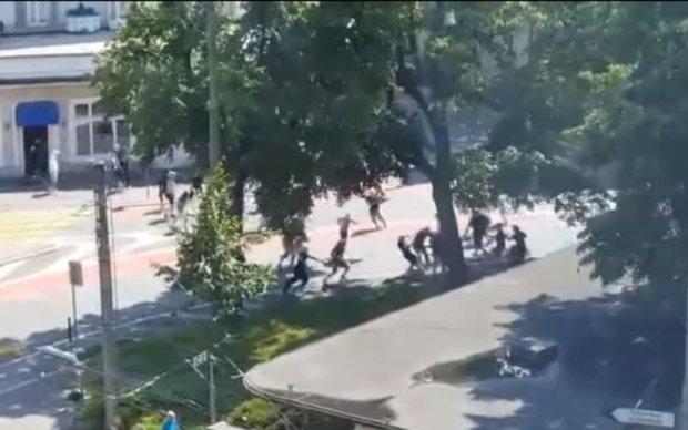 Украинца бросили в минскую тюрьму за участие в протестах