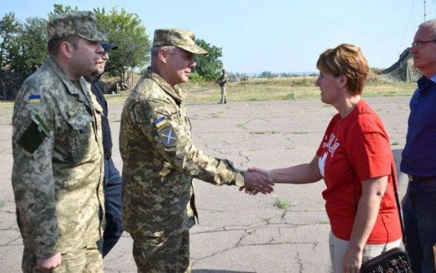 Канадський міністр приїхала на Донбас: перші подробиці