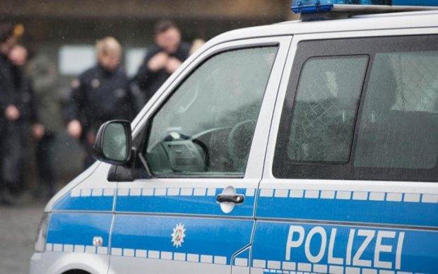 Новий теракт? У Німеччині автомобіль протаранив натовп