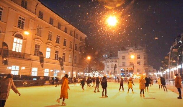 каток во Львове, скриншот из видео
