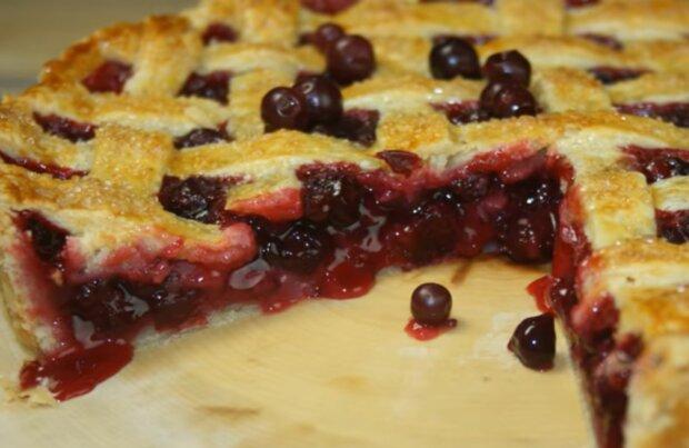 Пиріг зі смородиною, скріншот: YouTube