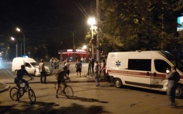 И снова Харьков: скорая  влетела в троллейбус, есть пострадавшие