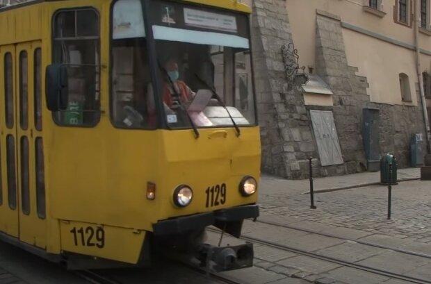 Транспорт Львова, скрін з відео