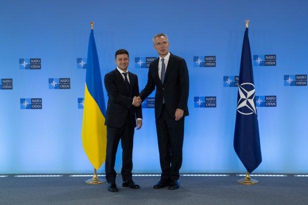 Візит НАТО в Україну перенесли: українцям назвали причину і нову дату