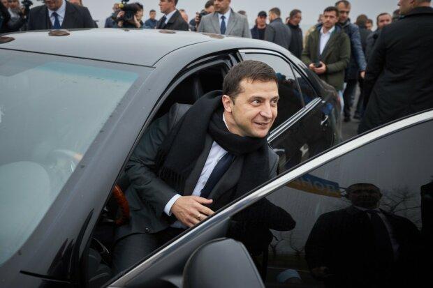 Від Suzuki в кредит до Tesla: на яких авто їздив Зеленський