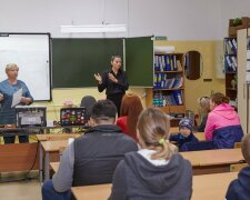 Діти в школі, Сахалін.інфо