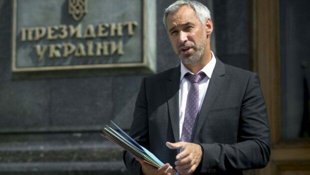 """""""Притягнемо до відповідальності"""": Рябошапка зробив сенсаційну заяву про """"Слуг народу"""""""