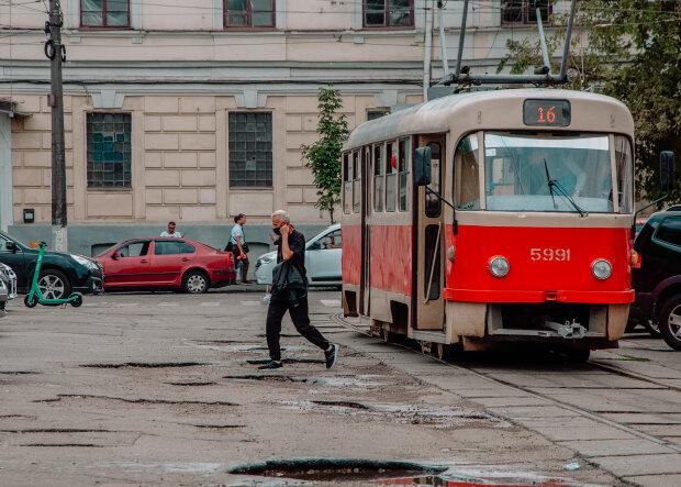 Люди в городе, фото @_sergey_krava  для Знай.ua