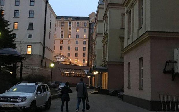 Колишня дружина Вороненкова розпродає апартаменти убитого