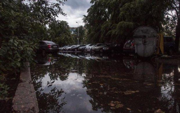 Потоп в Киеве: центра города превратился в Венецию