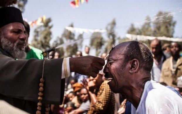 Бизнес на несчастьях: как из эфиопов демонов изгоняли