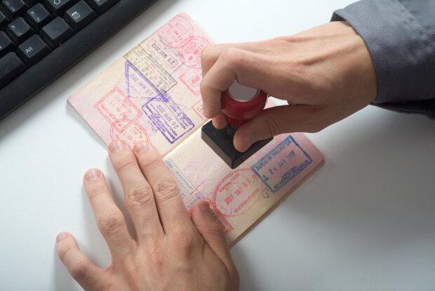 Украина ответила взаимностью Эстонии: правительство отменило бесплатные долгосрочные визы