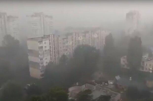 Злива, скріншот з відео