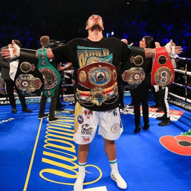 Олександр Усик захистив свої титули