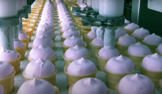 морозиво, скріншот з відео