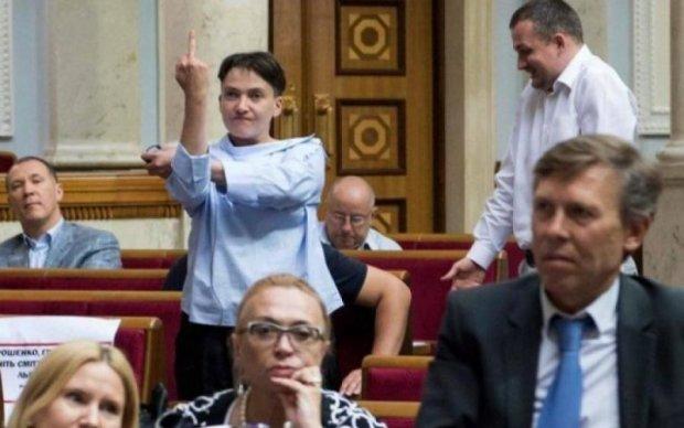 Савченко пояснила, кого в Раді удостоїла своїм пальцем