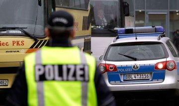 Страшна аварія у Польщі: авто на шаленій швидкості врізалося в дерево, загинули українці