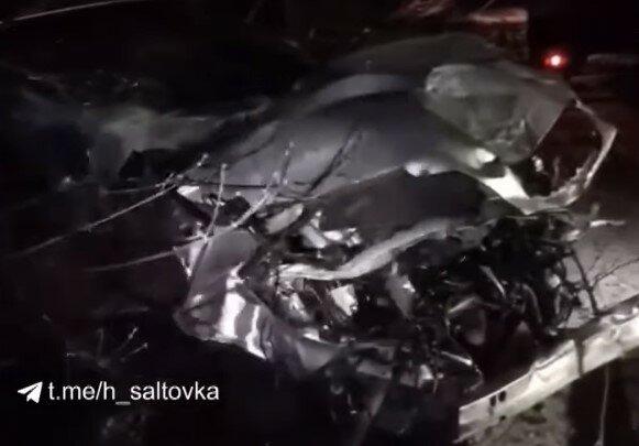 У Харкові п'яний чоловік викрав Lexus скандальної блогерки і розбив його вщент: на горе-водієві ні подряпини