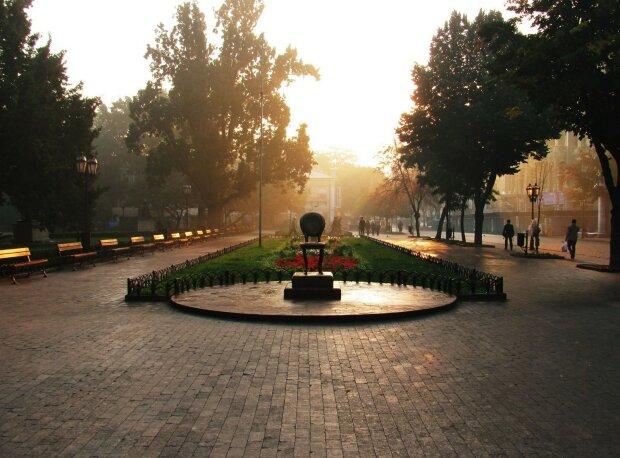 Над Одессой сгущаются тучи: погода готовит горожанам неприятный сюрприз 19 октября